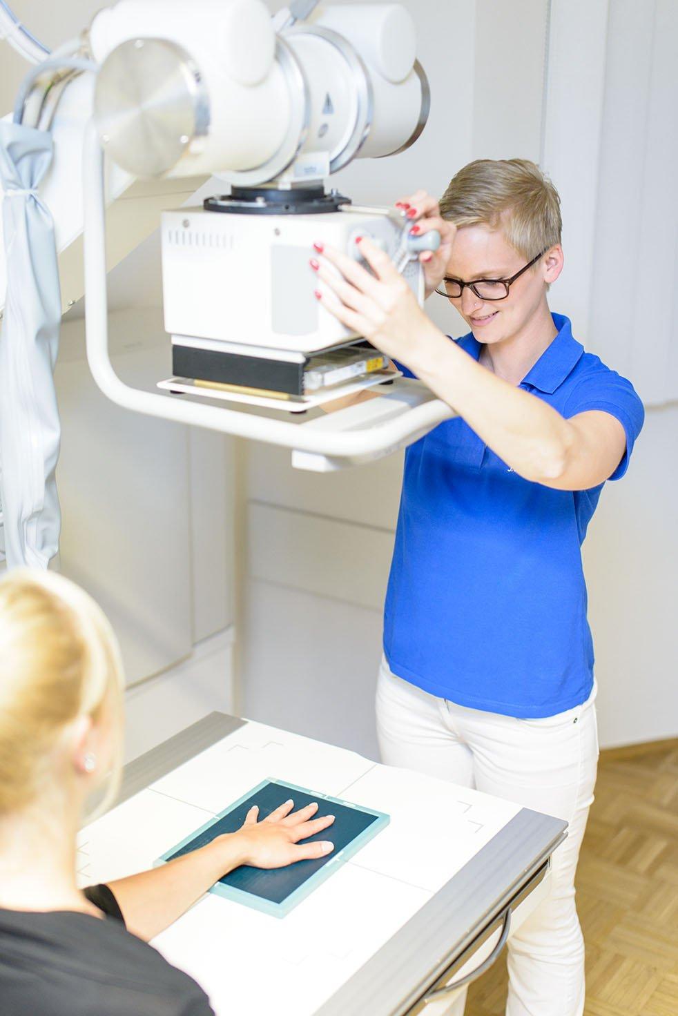 digitales Röntgen oben Orthopädie Siegburg